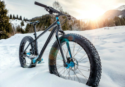 bike in the snow in Cortina d'Ampezzo