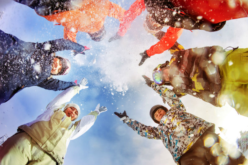 Team building on snow for companies
